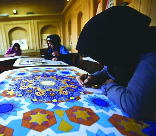 SI-Afghan women painting