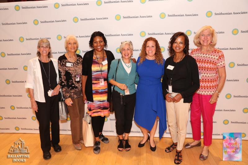 Jodi Picoult with volunteers