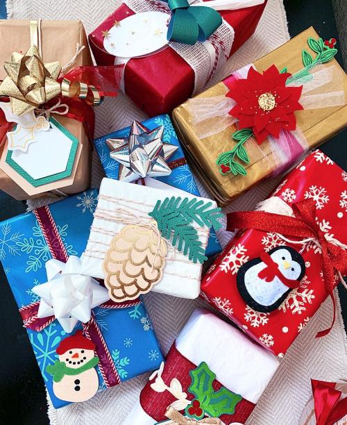 Gift-wrap-cricut-maker-gift-wrapping-tips-jen-goode-1